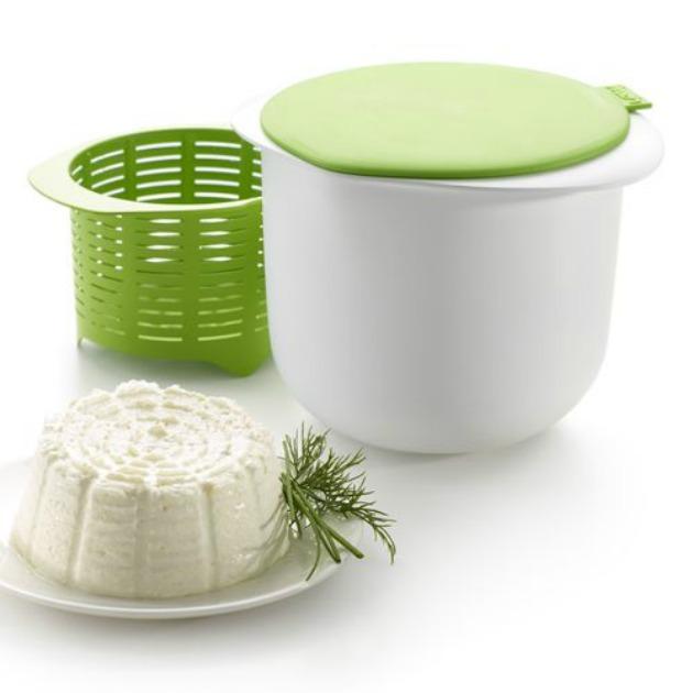 Cheese Maker de Lékué, el molde para hacer queso fresco en microondas